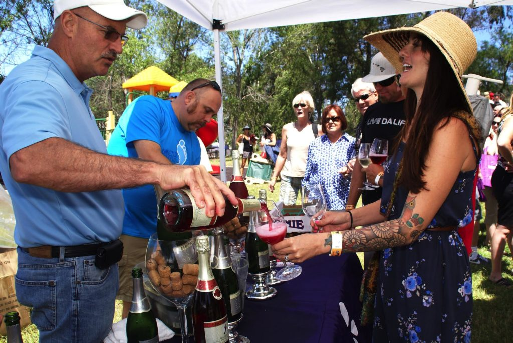 Barefoot Winery Honors the Ojai Wine Festival's 30th Anniversary with Cake and Barefoot Bubbly